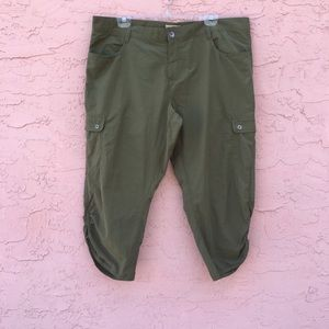Woolrich Green Hiking Capri Pants